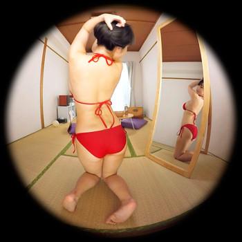 桐山瑠衣ちゃんがVRアイドルでセクシーな背中を見せる