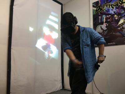 VRコントローラーを振り抜く