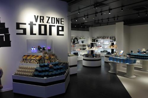 VR ZONE SHINJUKUのストア