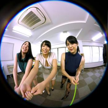 VRアイドル新作動画で女性社員から突かれる