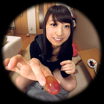 VRアイドル新作動画で小宮美咲ちゃんがあーん
