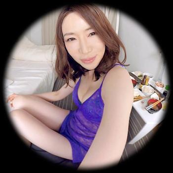 VRアイドル新作動画で紫ドレスの岩本和子
