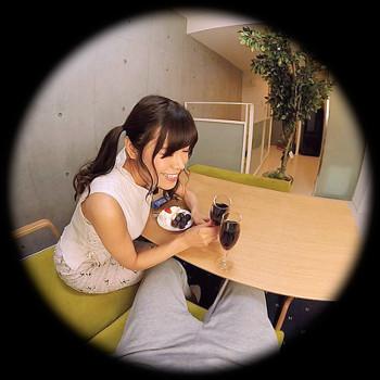 VRアイドル動画で愛美と飲む