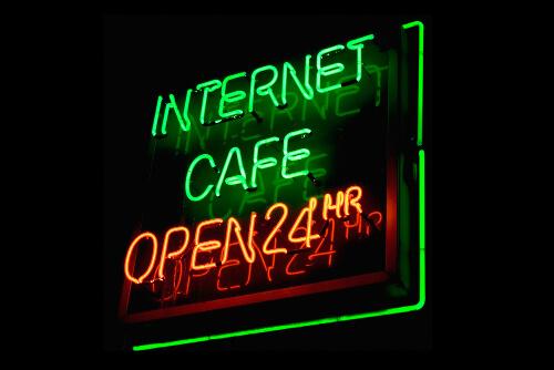 ネットカフェでVR動画を楽しめる
