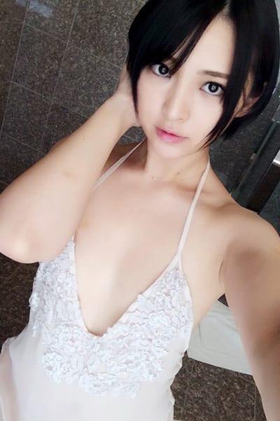 鈴木咲,グラビアアイドル